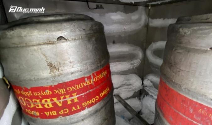 3 hiện tượng tưởng bất thường nhưng hoàn toàn bình thường ở tủ bảo quản bia